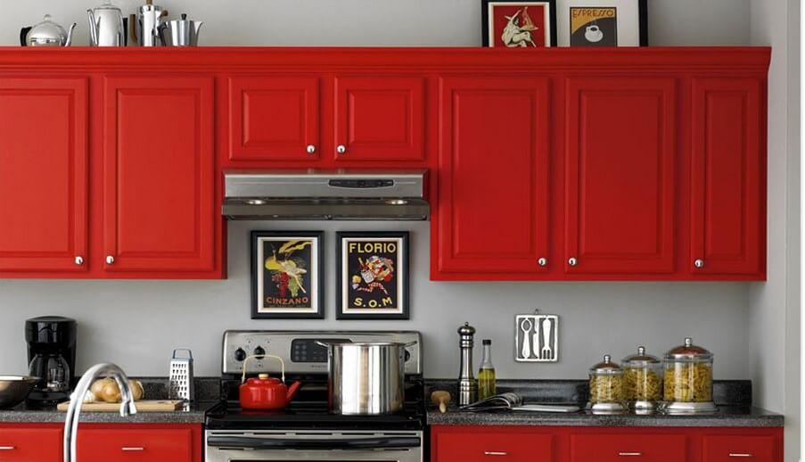 Кухня с матовым крашенным фасадом