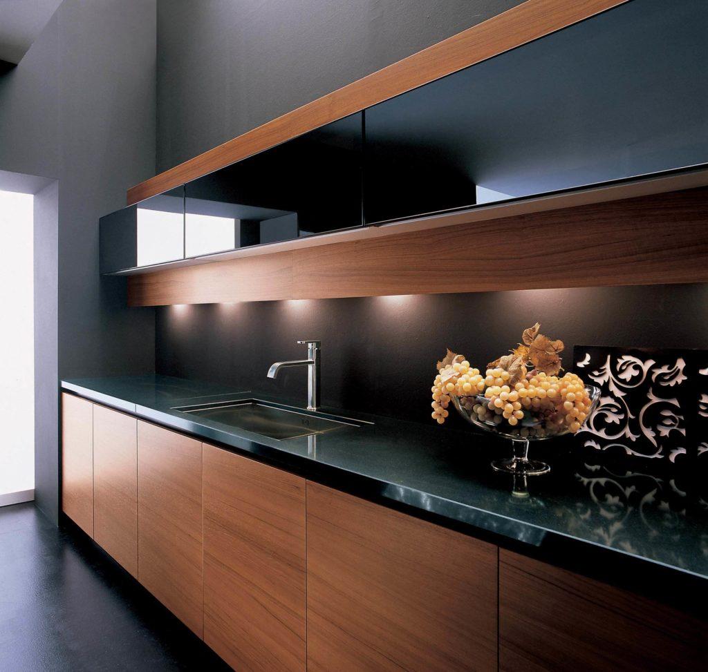 Стильный кухонный фасад декорированный шпоном