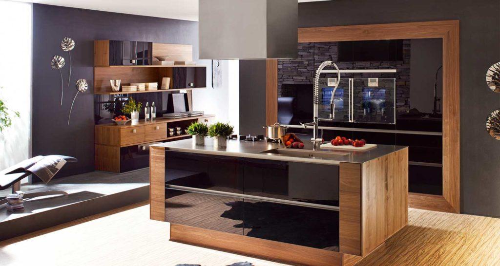 Фото кухонного гарнитура с фасадами покрытыми деревянным шпоном