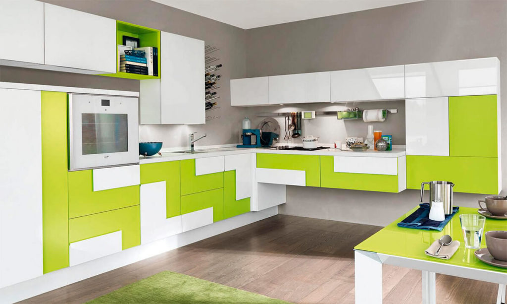Современная угловая кухня с пластиковым фасадом