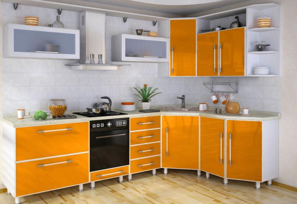 Современный кухонный гарнитур с пластиковым покрытием
