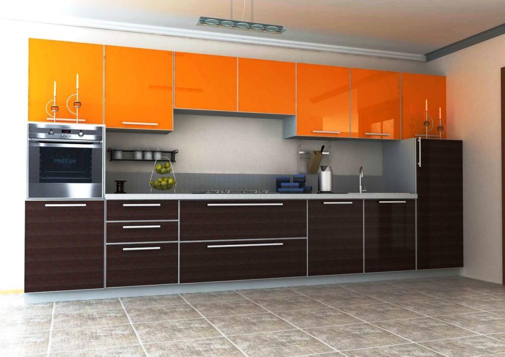 Кухонный гарнитур с пластиковым покрытием фасадов в алюминиевой рамке