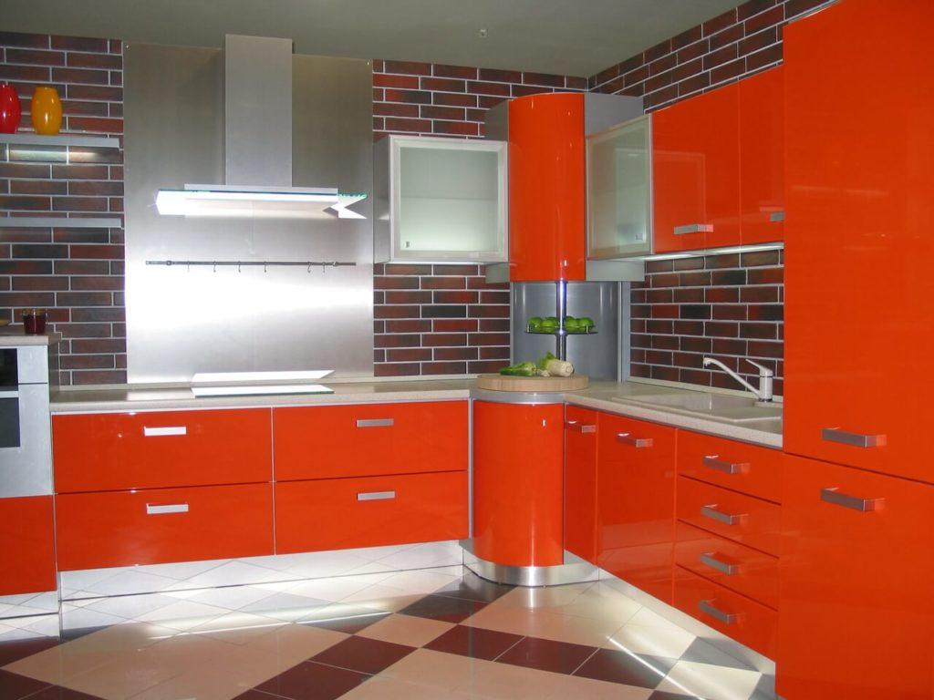 Рыжая угловая кухня