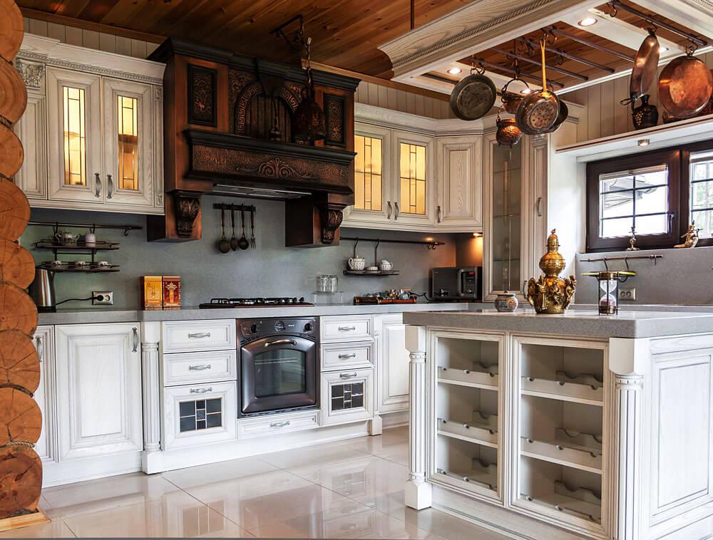 Фото кухни в деревенском стиле с порталом