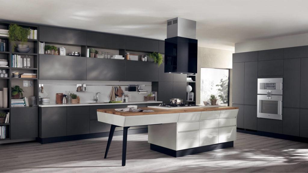 Стильная просторная кухня