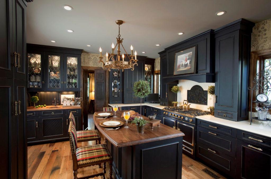 Угловой кухонный гарнитур в классическом стиле
