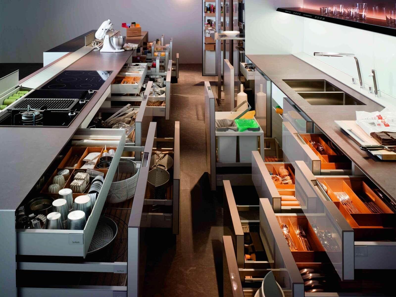 выделяются функциональные кухни в картинках подсоединённым глушителем обладает