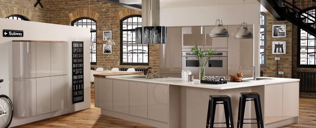 Необычная планировка кухни с угловым кухонным гарнитуром