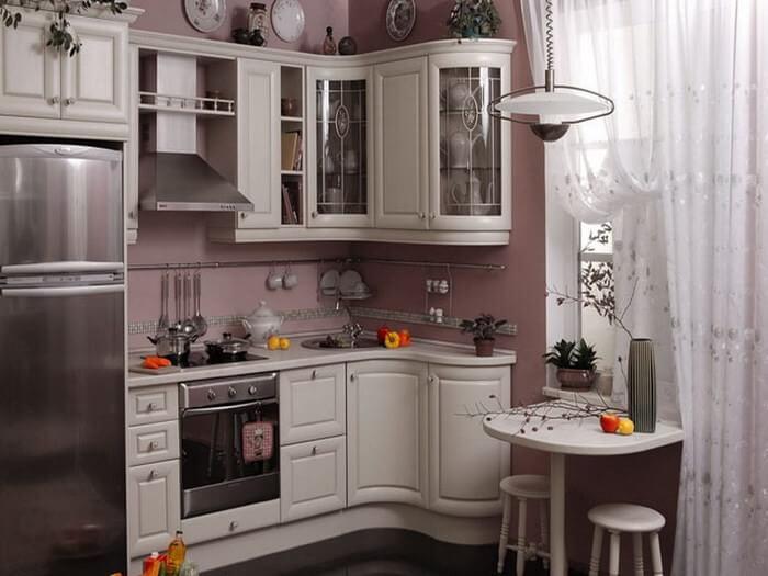 Кухонный гарнитур с радиусным фасадом угловой тумбы