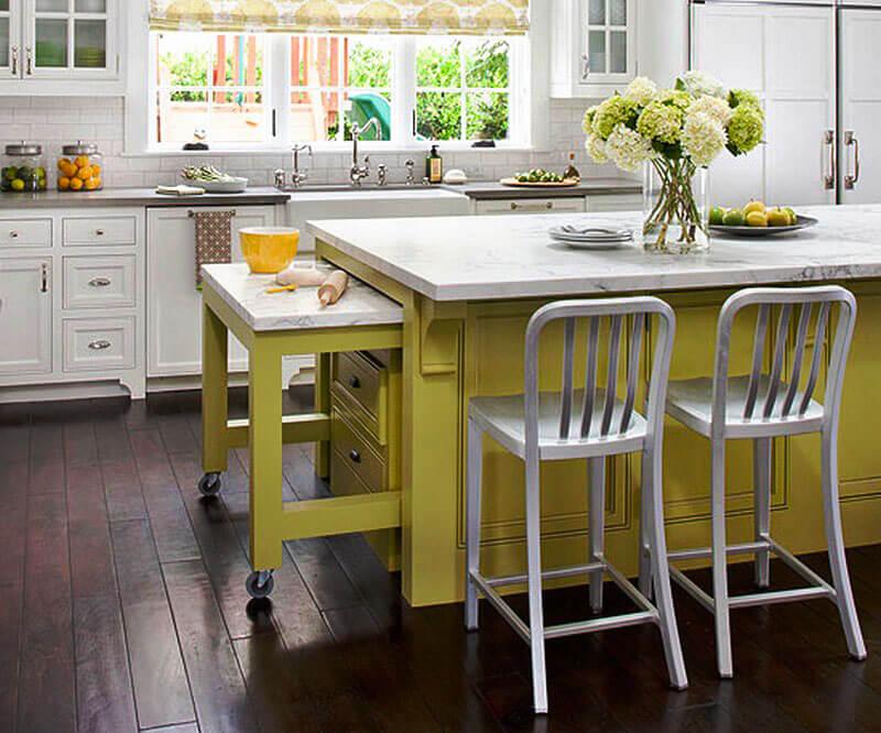 Кухонный остров с выдвижным столом