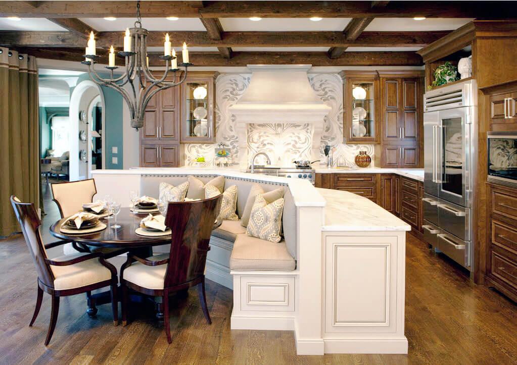 Кухонный остров совмещенный с диваном
