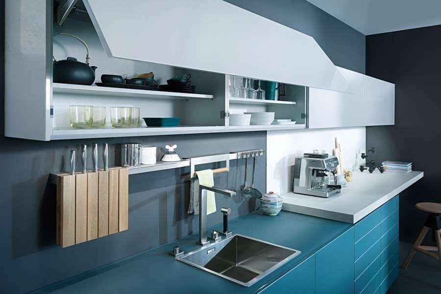 Фото подъёмных фасадов кухонного гарнитура