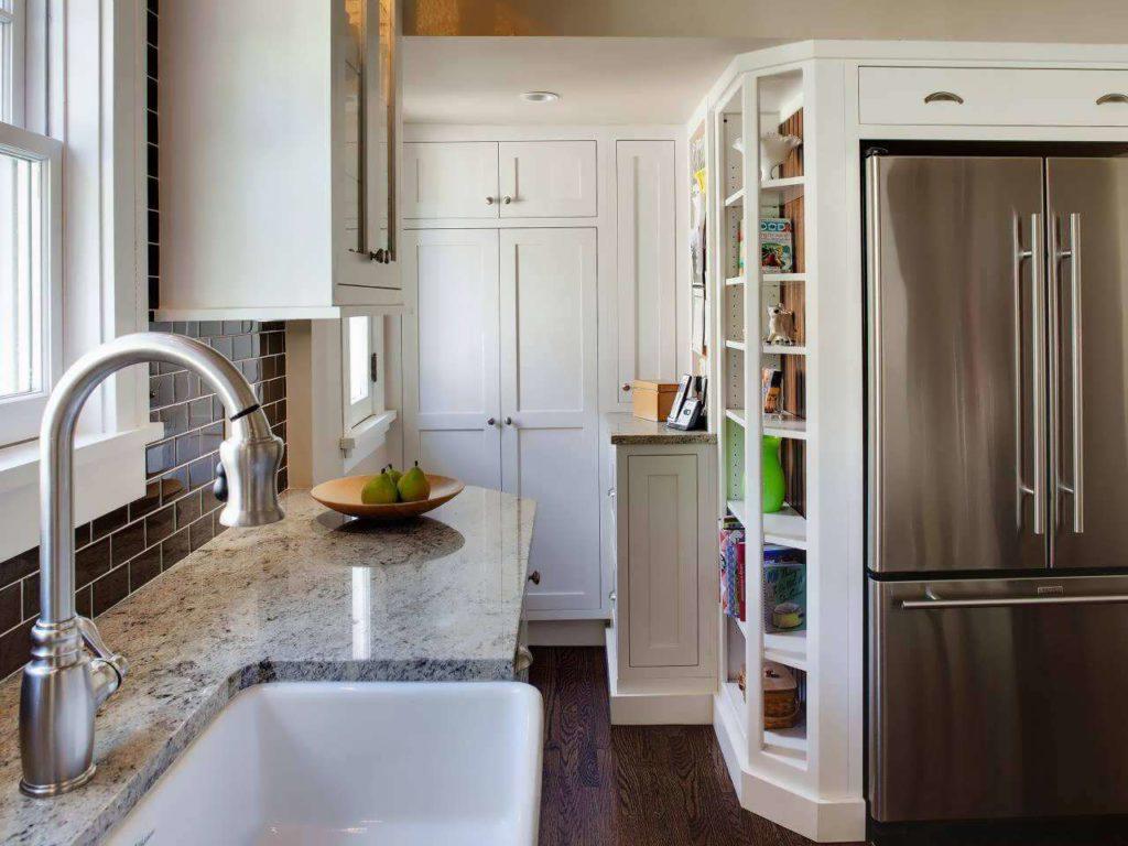 Фото маленькой кухни с каменной столешницей