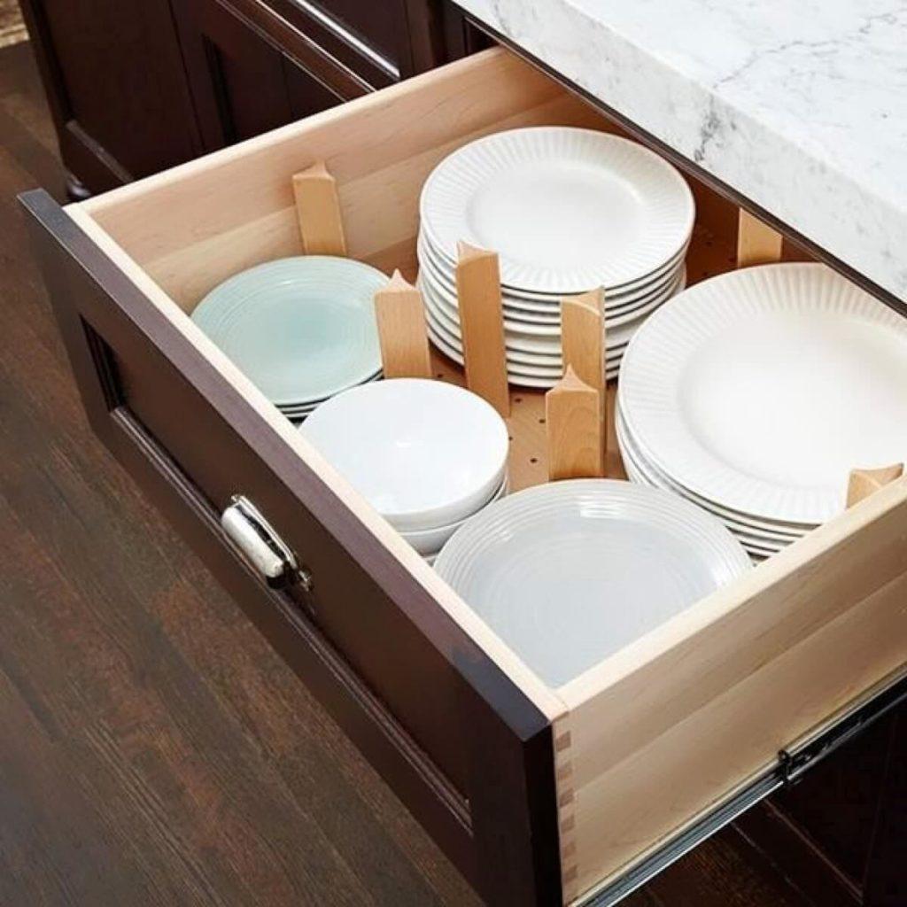 Выдвижной ящик для тарелок