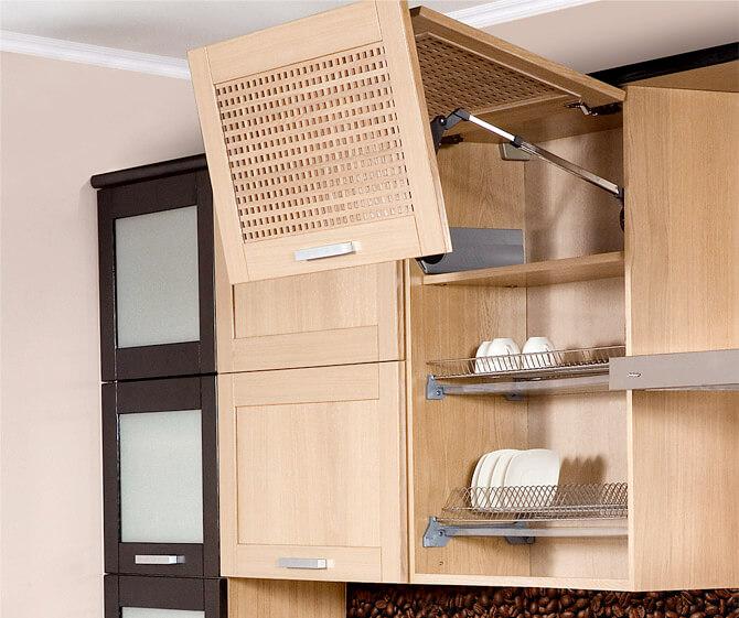 Навесной кухонный шкаф для посуды с рамочным вентилируемым фасадом с подъёмным механизмом открытия
