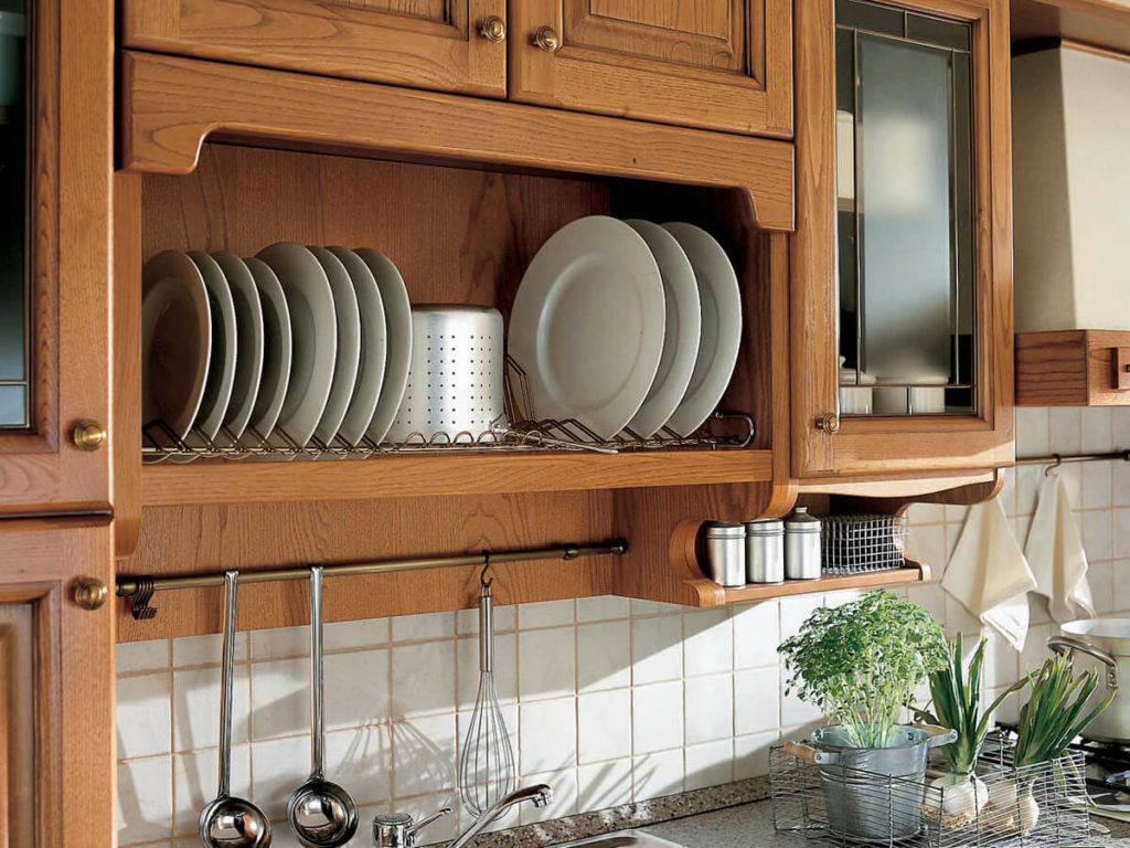 Навесной шкаф с сушилкой для тарелок с открытым фасадом