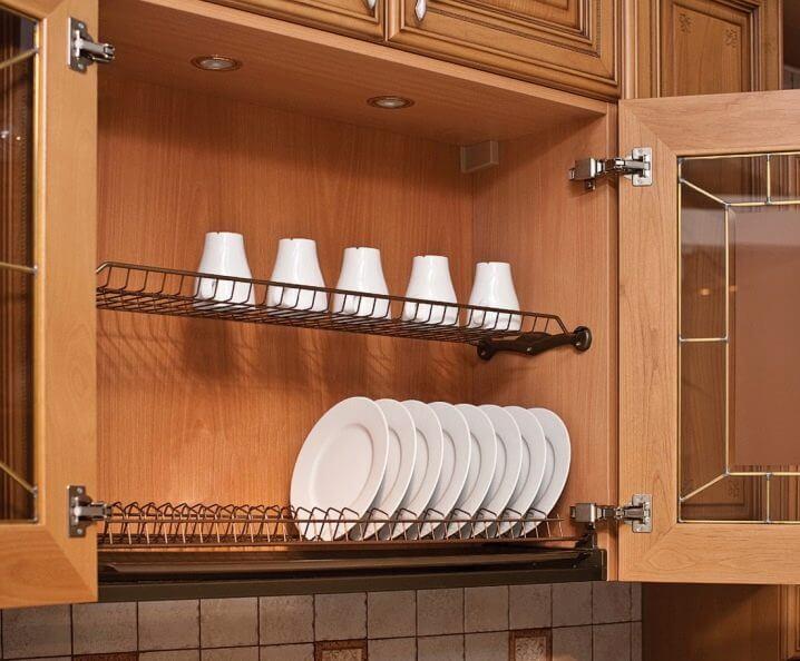 Кухонный навесной шкаф для посуды с распашным стеклянным фасадом
