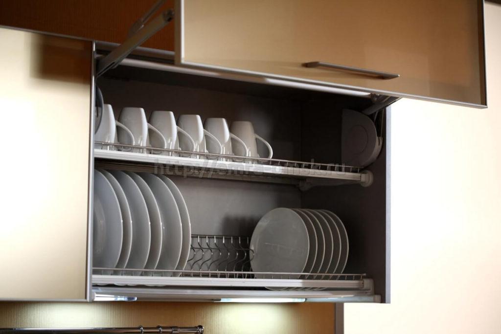 Кухонная сушилка для кружек и тарелок