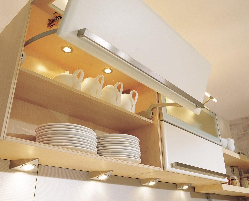 Верхний шкаф кухонного гарнитура для посуды с подсветкой