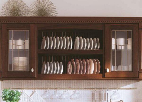Навесной шкаф для посуды с открытым фасадом