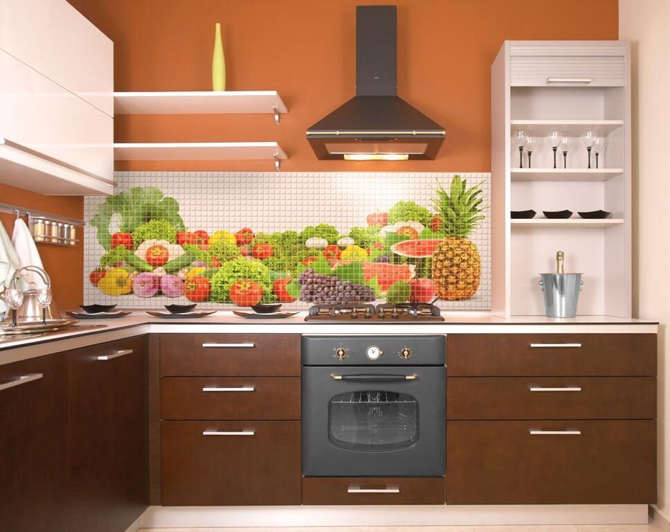 Кухонный гарнитур с пластиковым фартуком