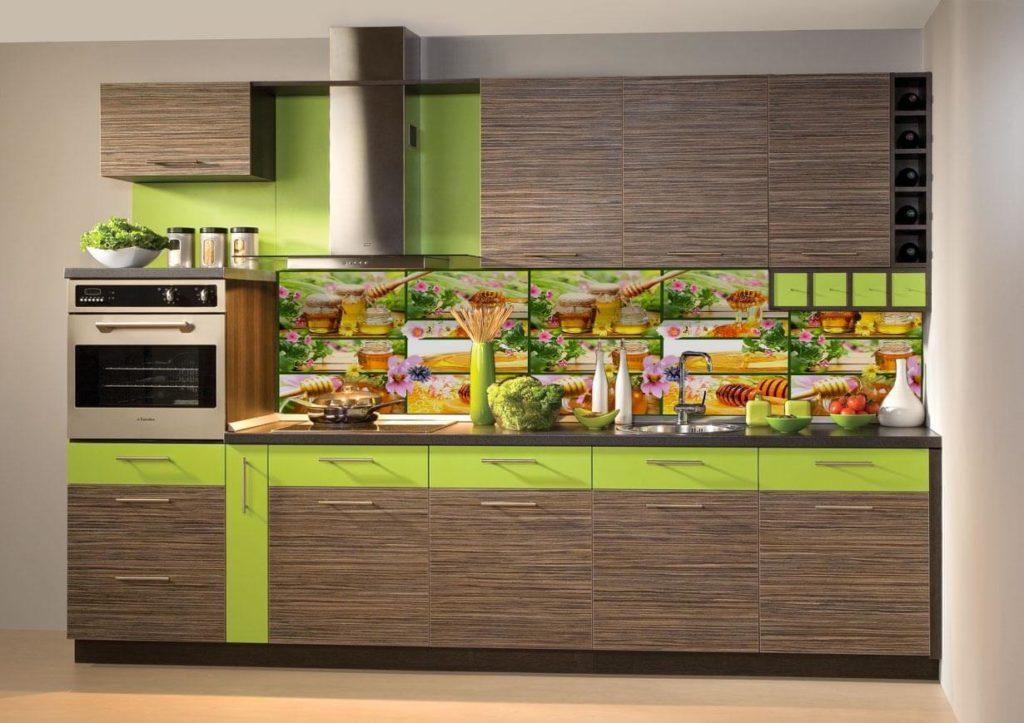 Фото кухонного кухонного гарнитура с пластиковым декоративным фартуком