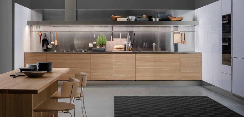 Фото классической линейной планировки кухни