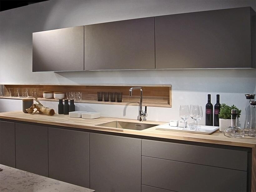 Фото прямого кухонного гарнитура