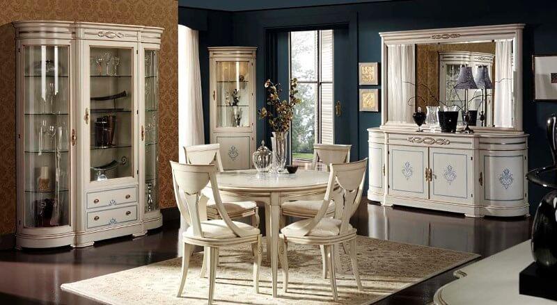 Фото декоративных шкафов для выставки посуды в классическом стиле
