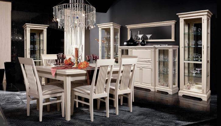 Фото обеденной комнаты декоративными шкафами для посуды в интерьере