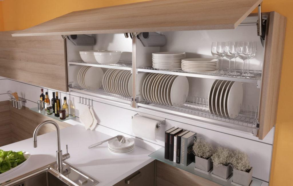 Фото навесного кухонного шкафа под посуду