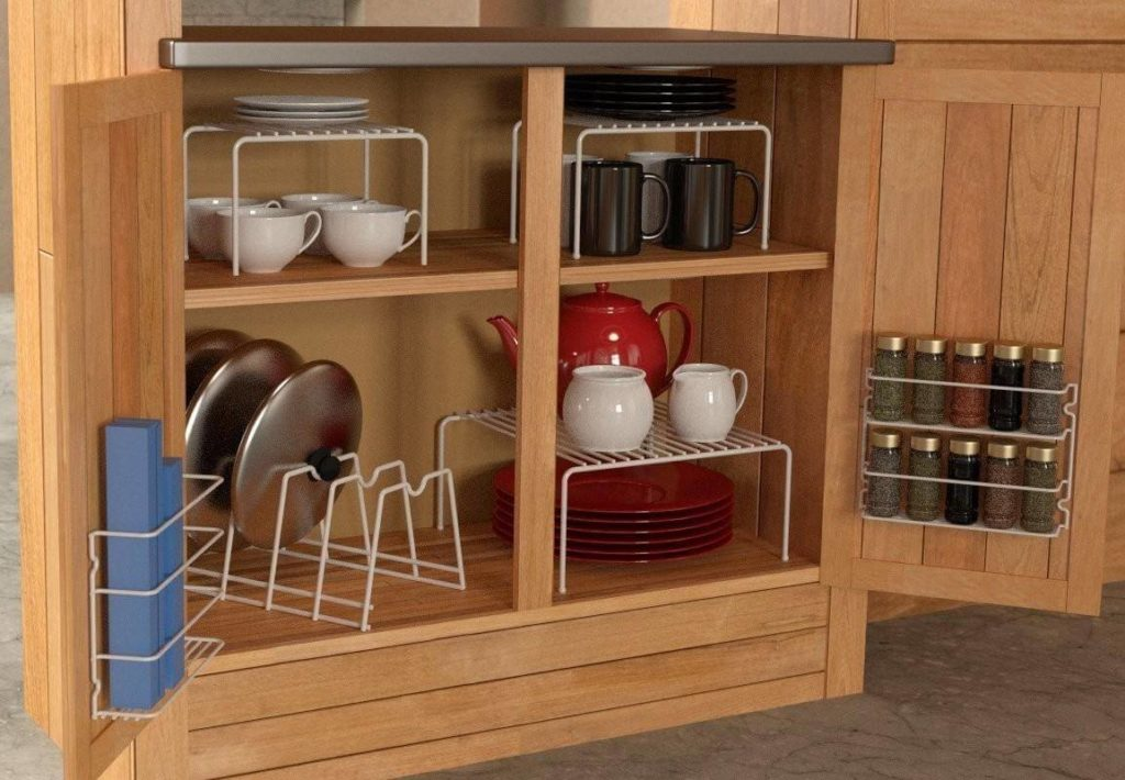 Напольная кухонная тумба с системой для хранения посуды