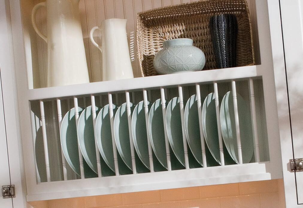 Навесной шкаф с сушилкой для тарелок открытого типа