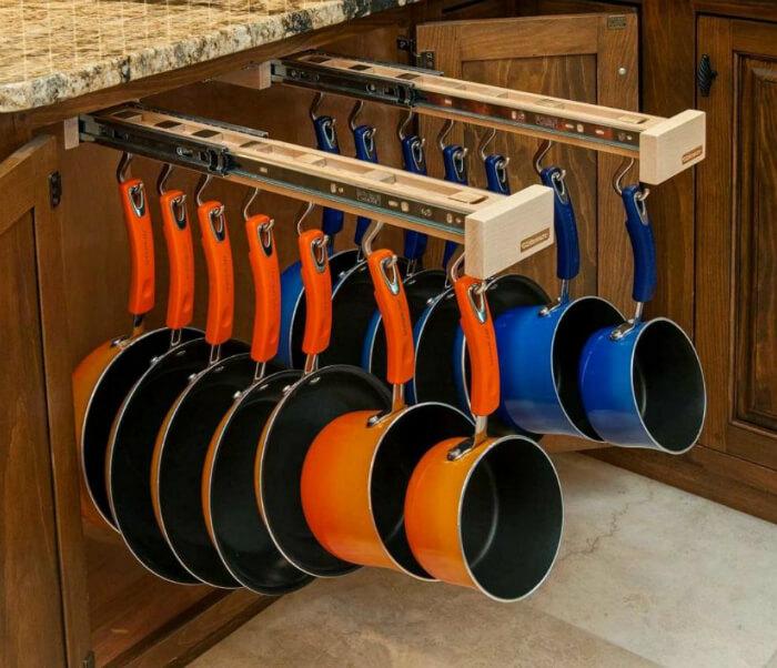 Рейлинговая система хранения для сковородок