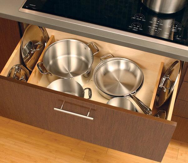 Выдвижной кухонный ящик для посуды