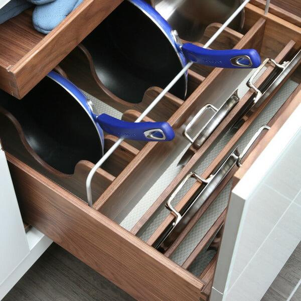 Выдвижная система для сковородок и крышек