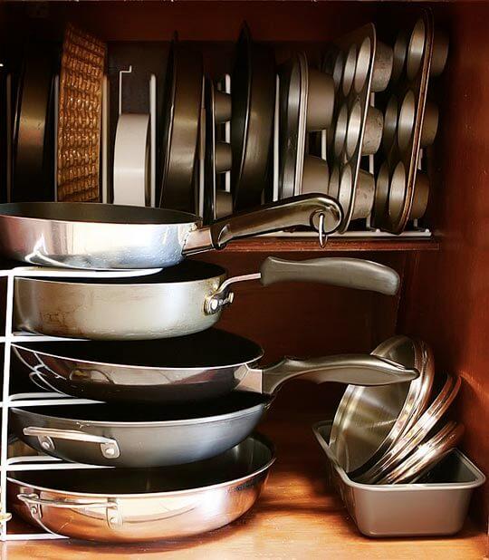 Фото наполнения кухонной тумбы