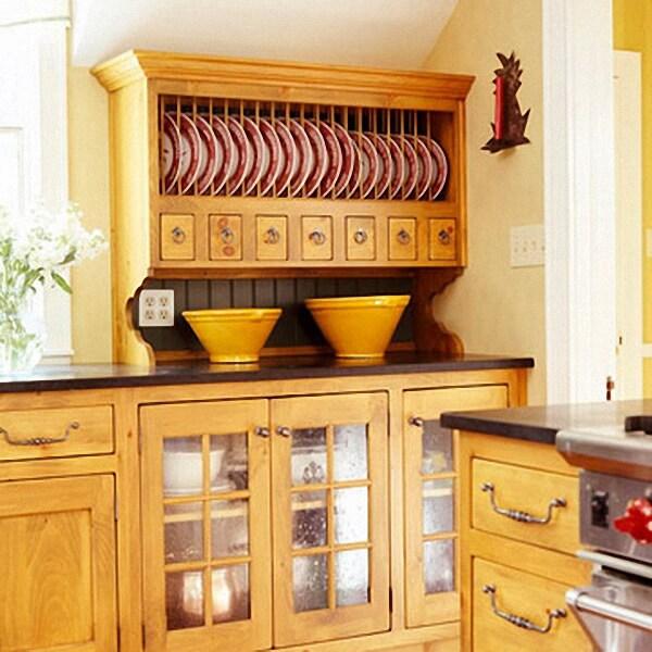 Кухонный шкаф с сушилкой для тарелок открытого типа