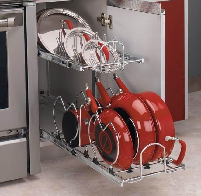 Фото выдвижной подставки для сковородок