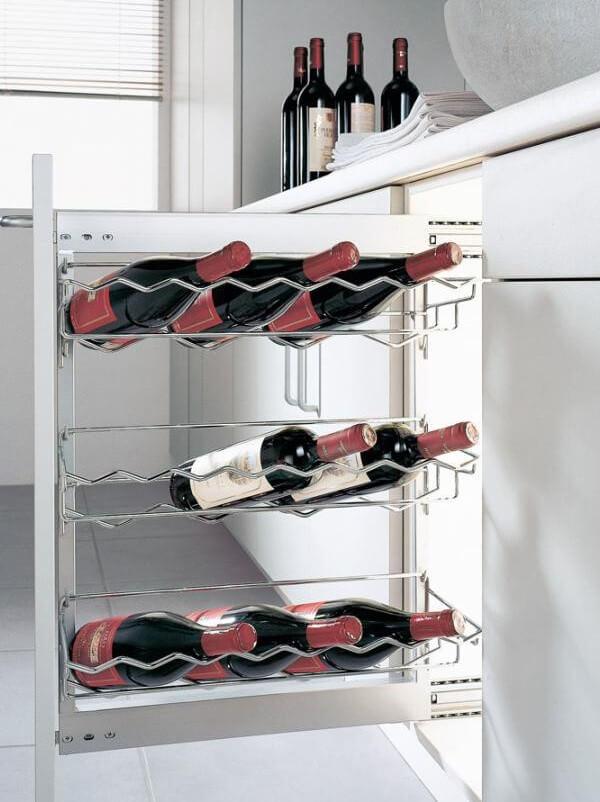 Карго с подставками для вина