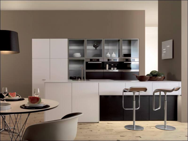 Фото остекленных кухонных фасадов