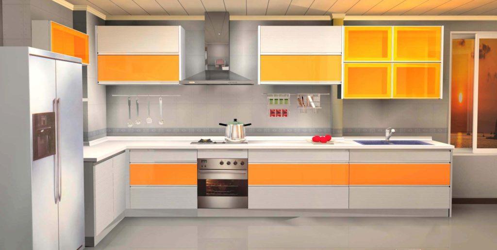 Кухонный гарнитур с безрамочным остеклением