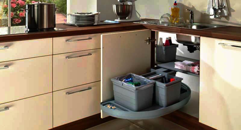 Фото прямого углового кухонного шкафа под мойку с системой хранения