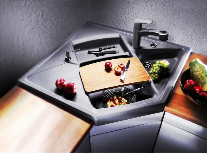Фото многосекционной кухонной угловой мойки