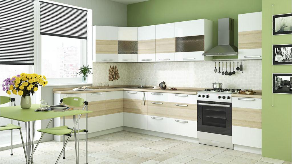 Фото просторной кухни с угловым гарнитуром в интерьере