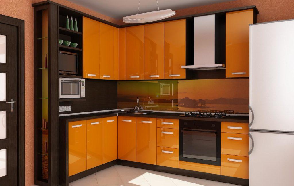 Угловой гарнитур для кухни с глянцевым фасадом