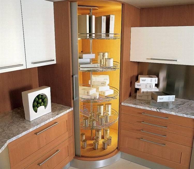 Фото трапециевидного углового кухонного пенала с раздвижной дверью
