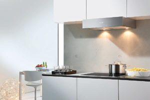 Фото встроенной вытяжки в кухонный шкаф