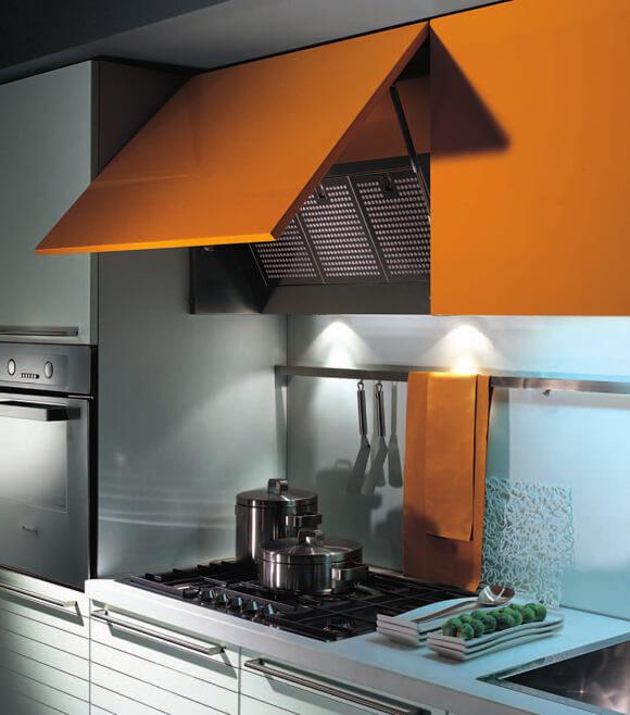 Фото кухонной вытяжки встроенной в верхний шкаф