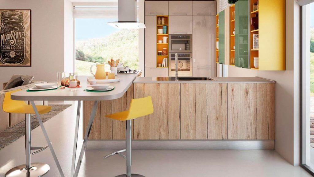 Бараня стойка совмещенная с кухонным гарнитуром выполняющая роль обеденной зоны